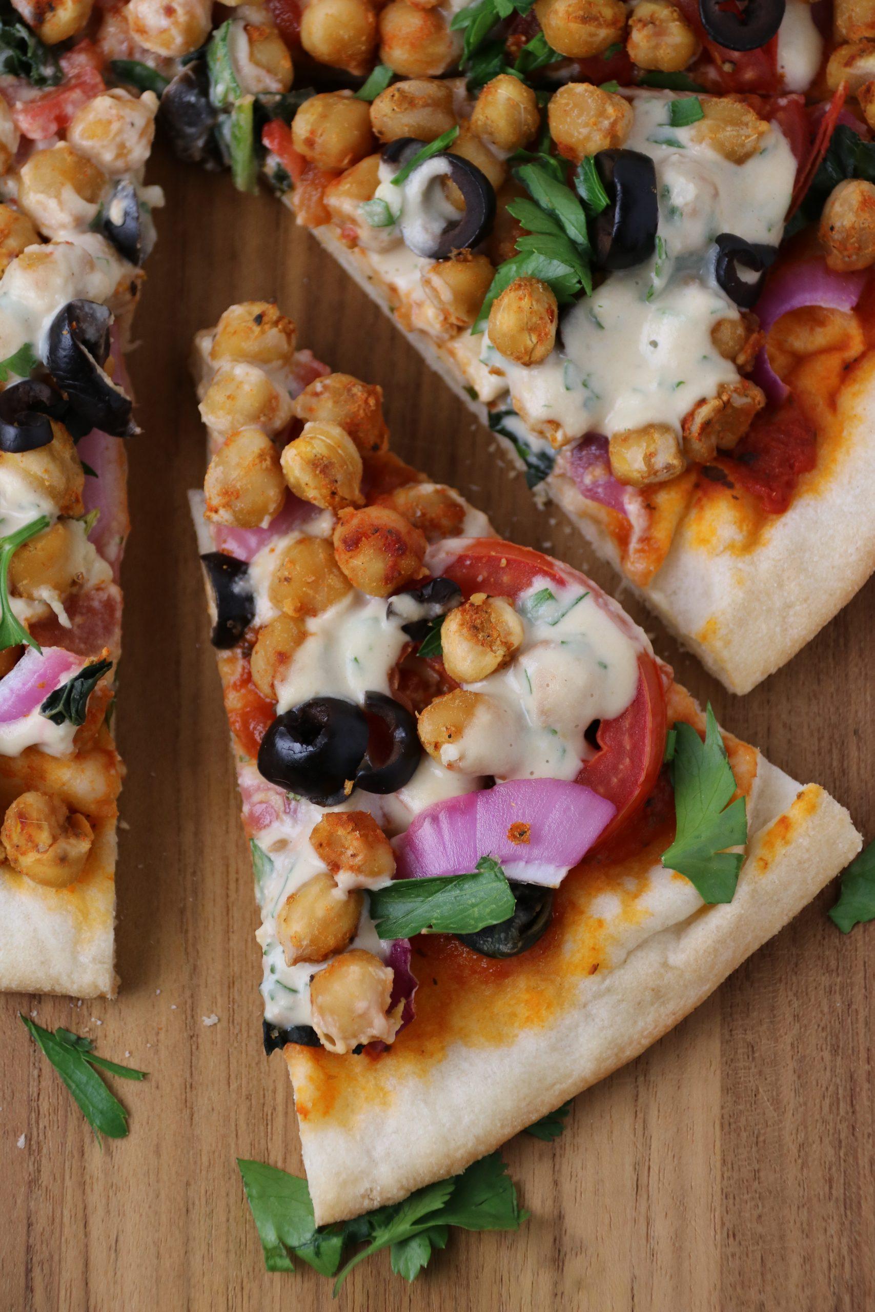 cheeseless vegan pizza