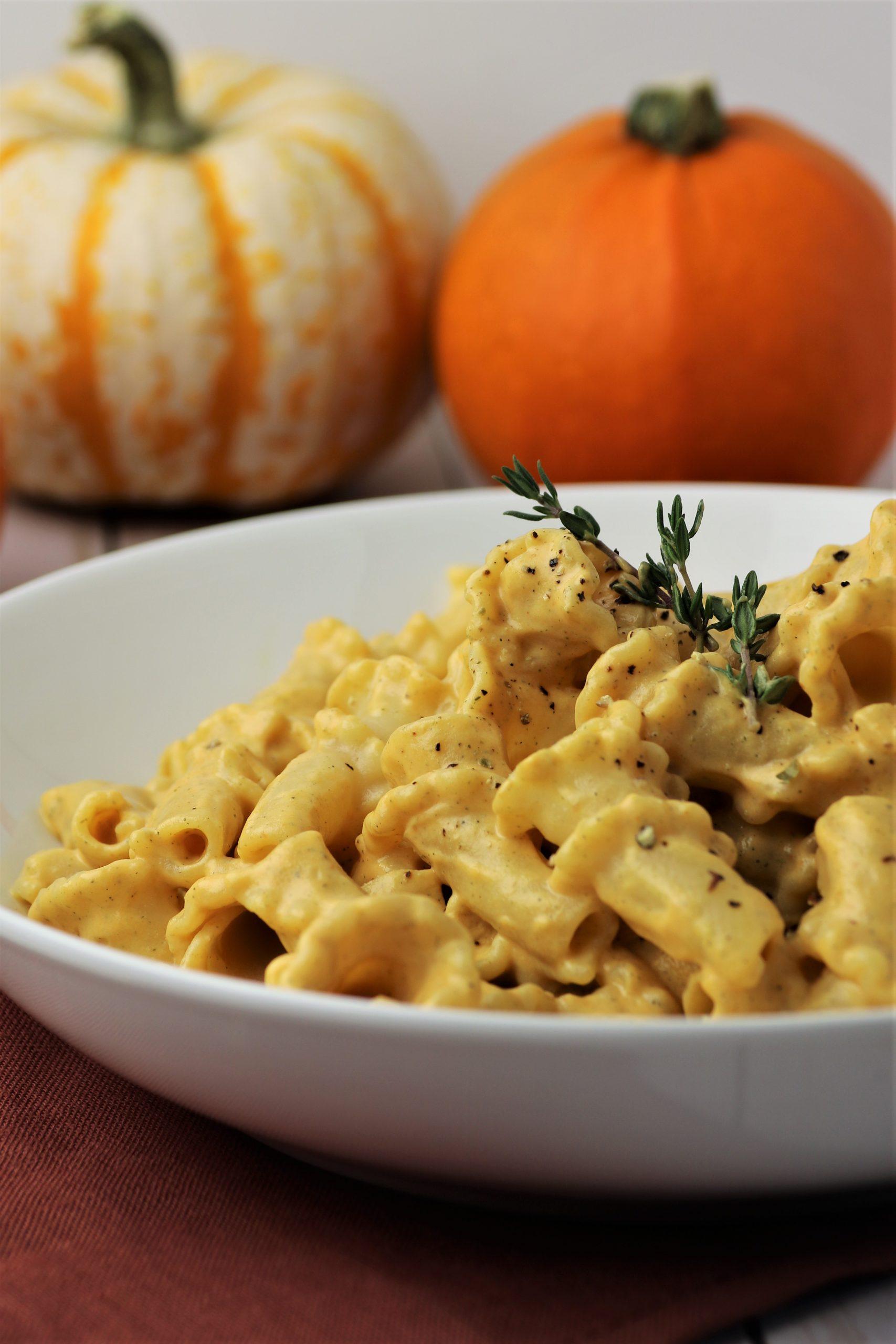 easy vegan pumpkin pasta